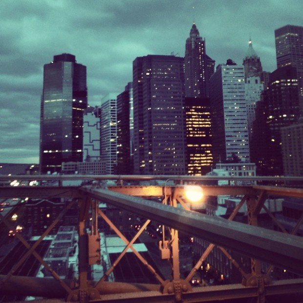 The view of New-York on the top of the Brooklyn Bridge - Photo by Justine Body